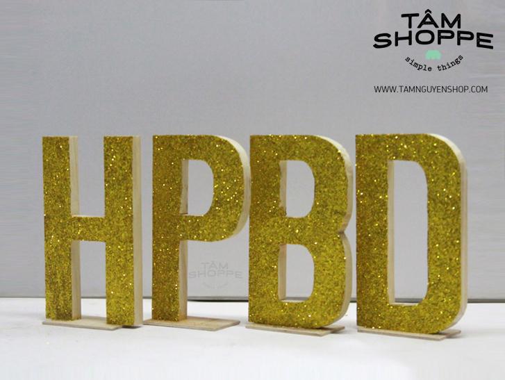 Tâm Shoppe - Bộ chữ gỗ HPBD phủ kim tuyến cao 20cm